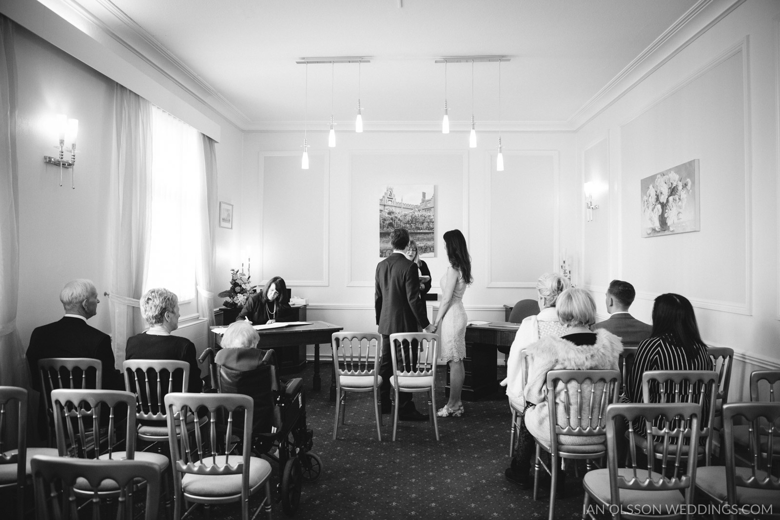 Beautiful small wedding at Cambridge Registry Office