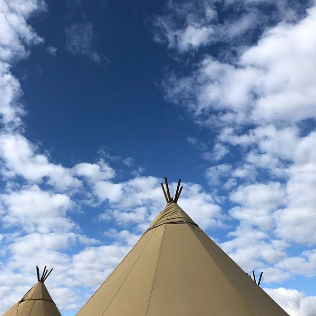 Gorgeous day for a tipi wedding 📸😎