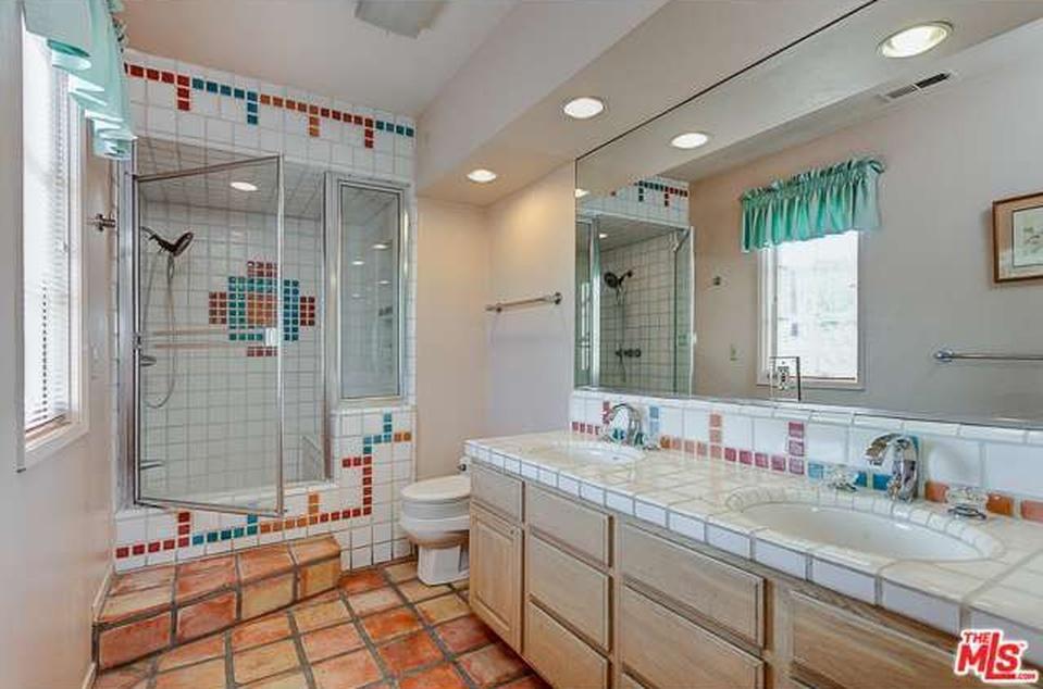 master-bathroombefore-culver-1.jpg