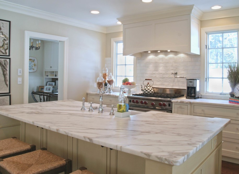 c8254__white-marble-countertops-in-the-kitchen-idea.jpg