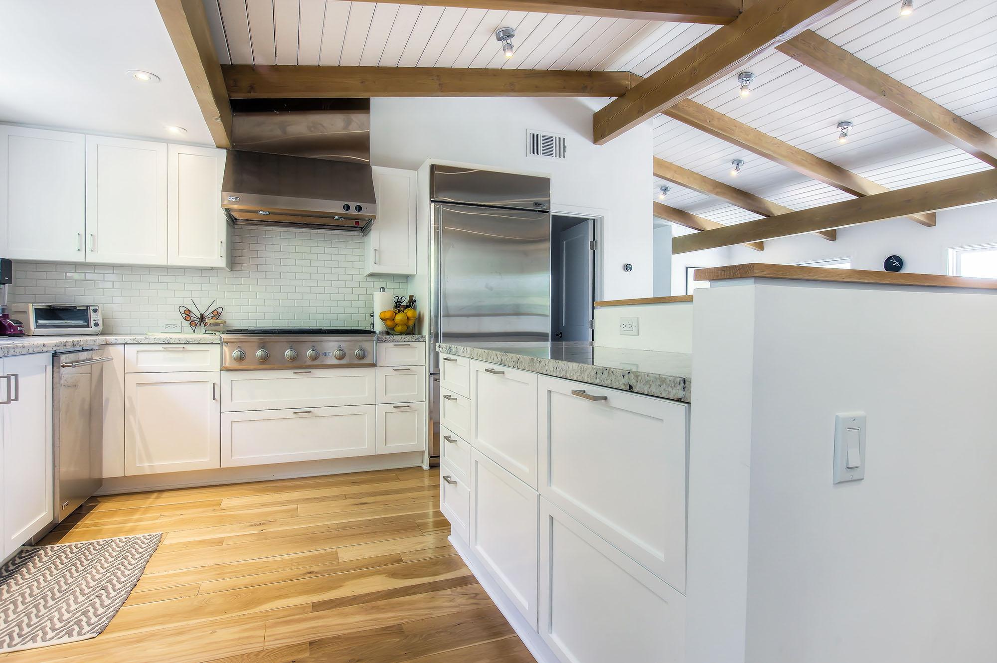 Bright and modern Woodland Hills kitchen