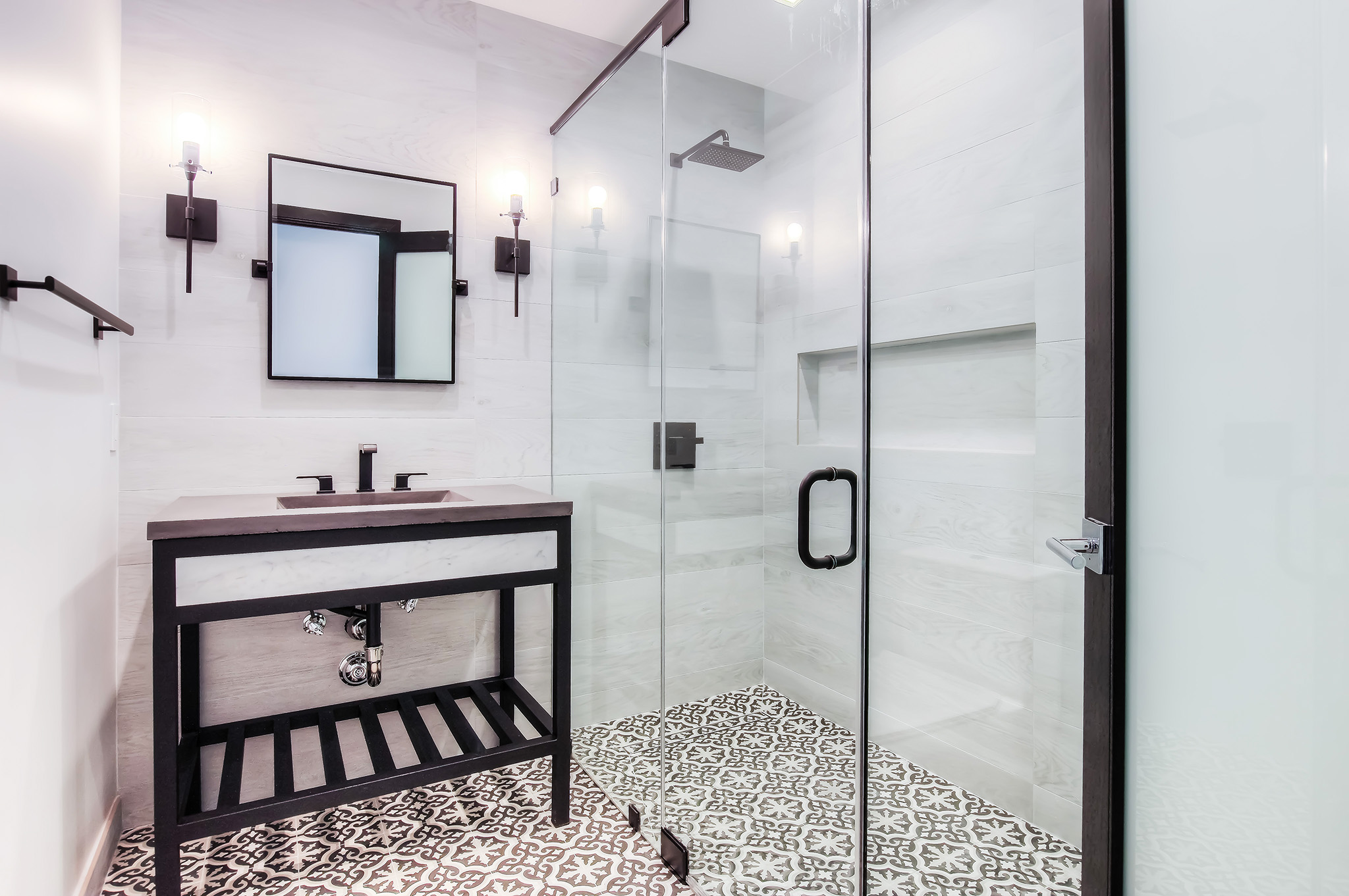 Modern guest bathroom
