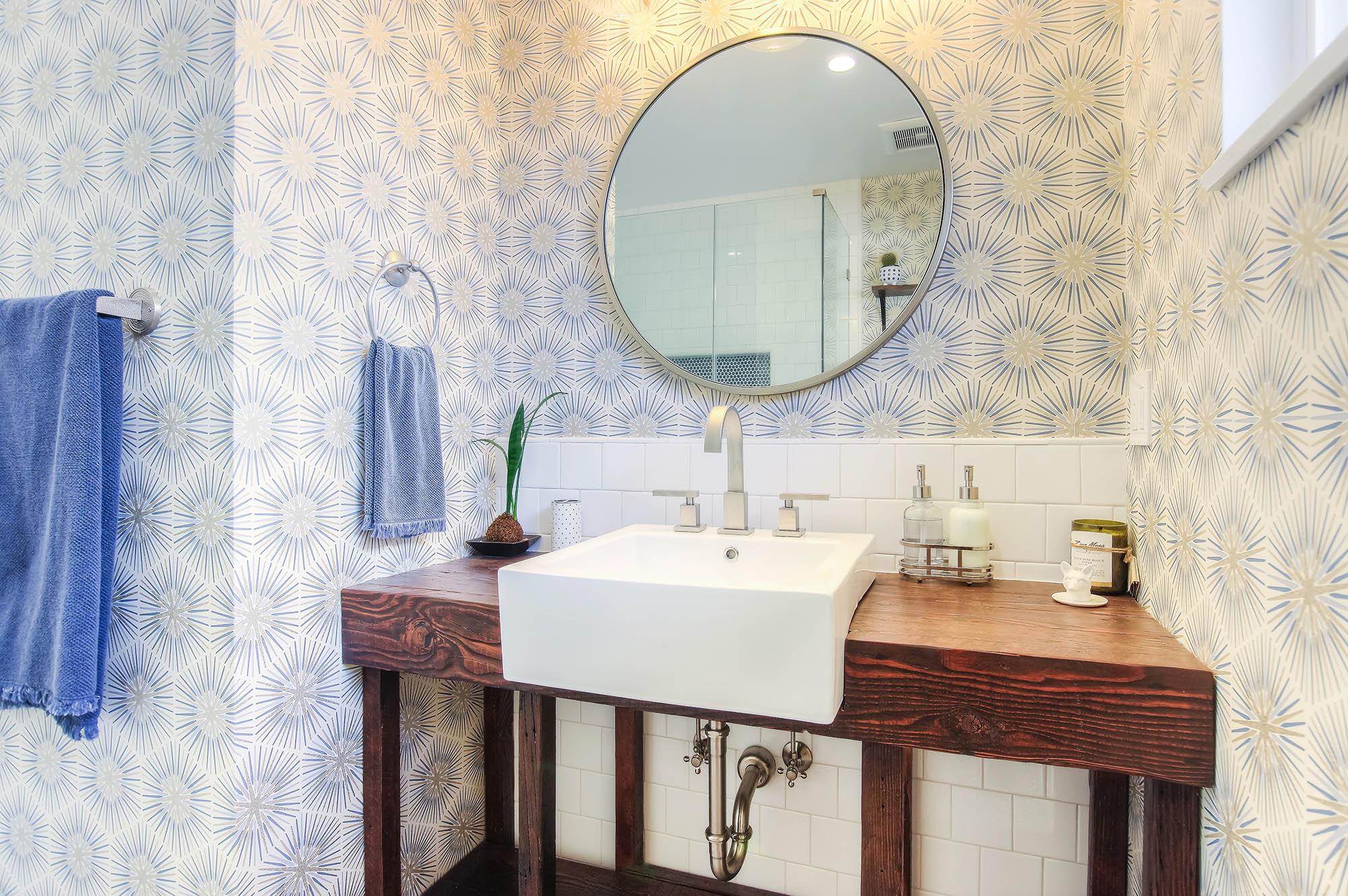 Bold and modern bathroom in Toluca Lake