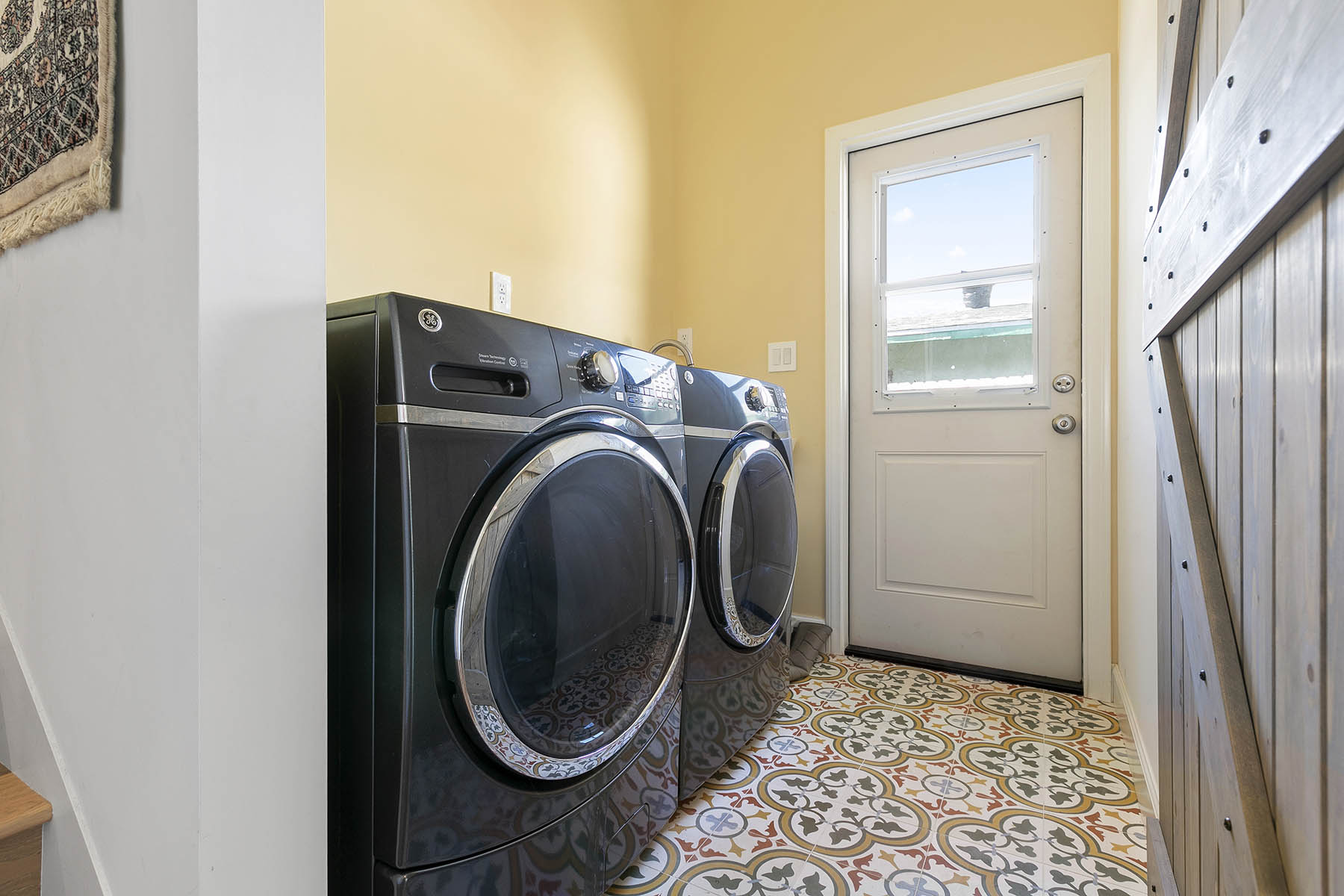 Highland park home addition laundry room websize.jpg