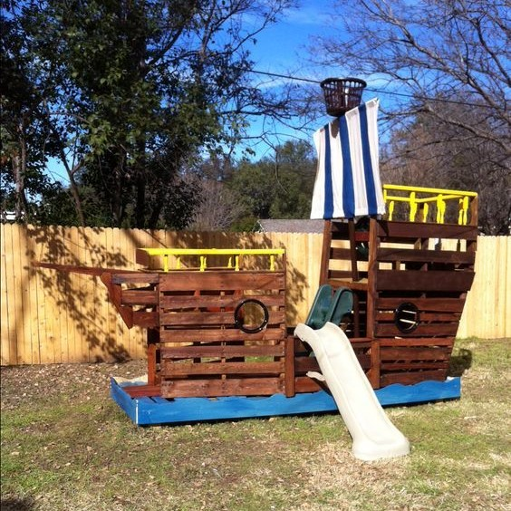 Pallet Pirate Ship