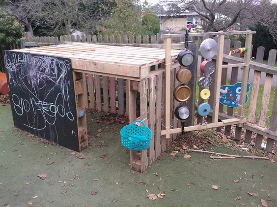 Pallet play area with music wall