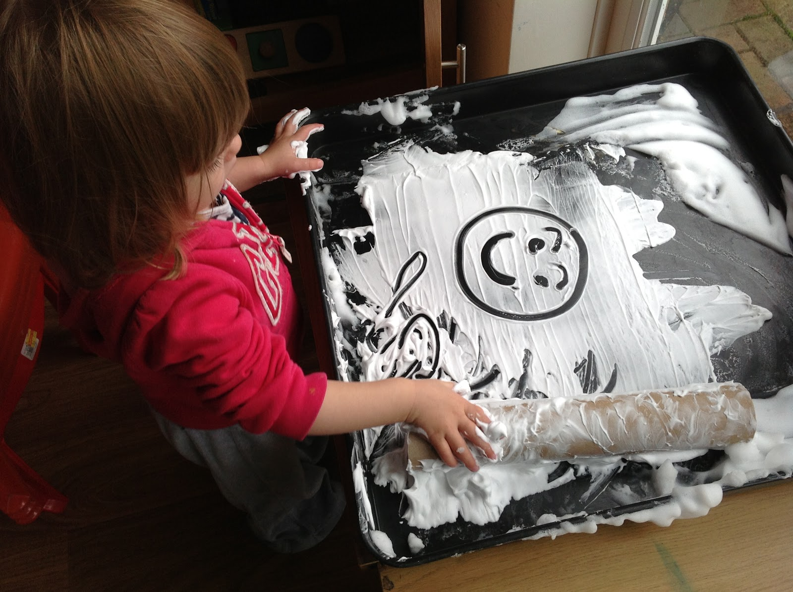 SHAVING FOAM MARK MAKING