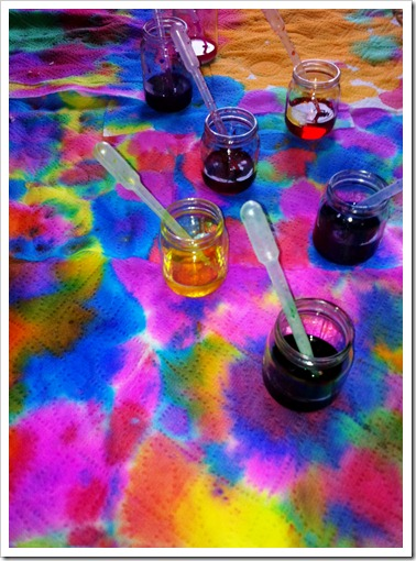 PAPER TOWEL ART WITH FOOD DYE