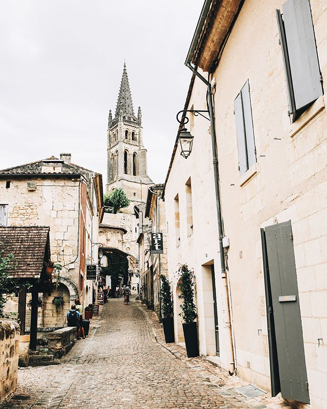 gimme all the cute villages and lots of baguettes 🇫🇷🥖