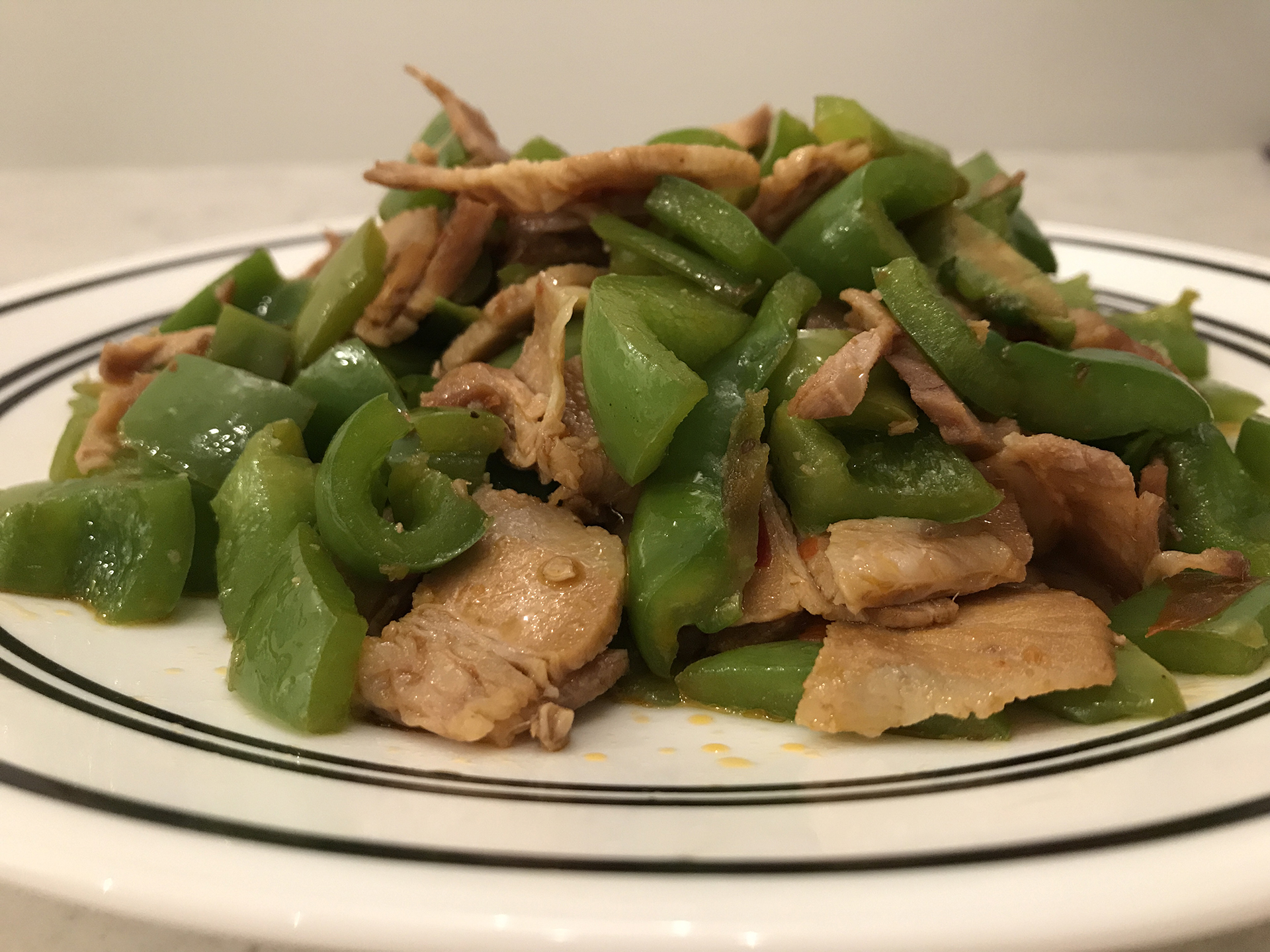 小炒肉(fried pork with green pepper).JPG