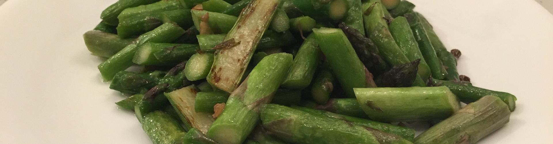 清炒青笋(fried asparagus).JPG