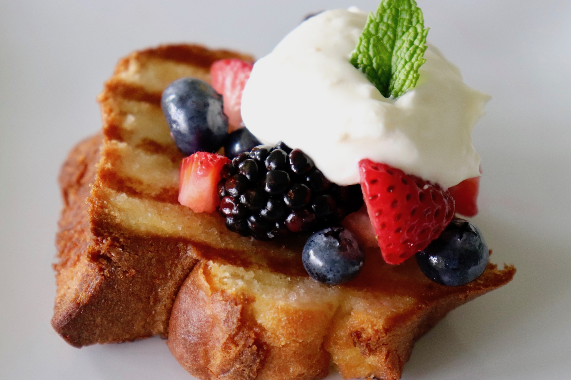 grilled-poundcake-mixed berries.jpg