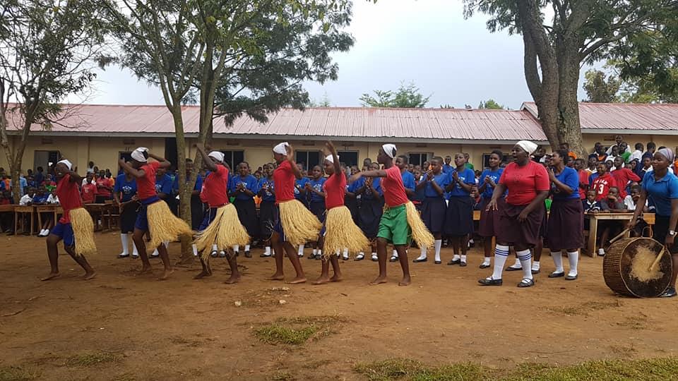 Traditional dancing and singing at Kamikanda as a Thank you to Project Uganda