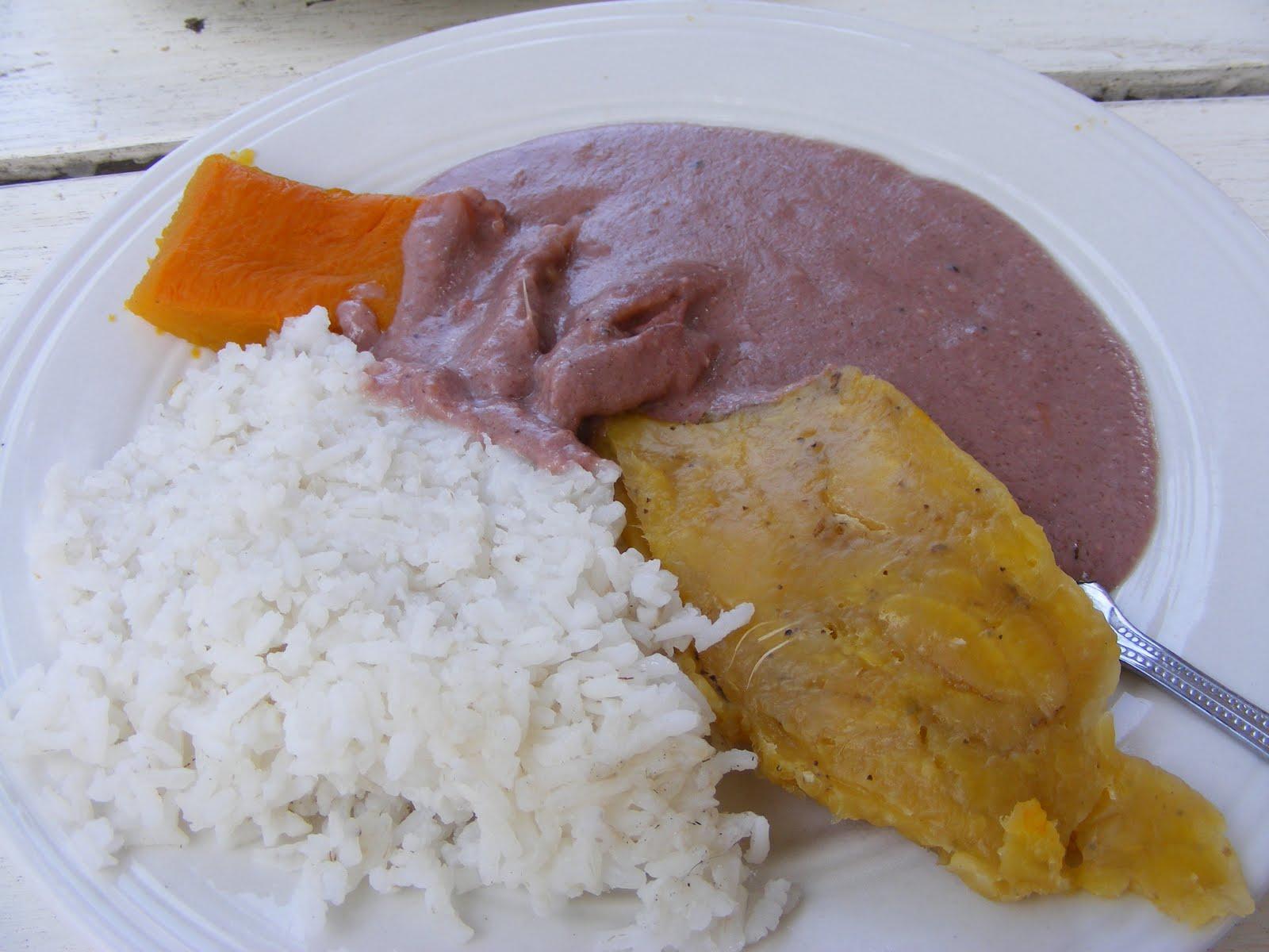 Matoke, rice, gnut sauce and pumpkin