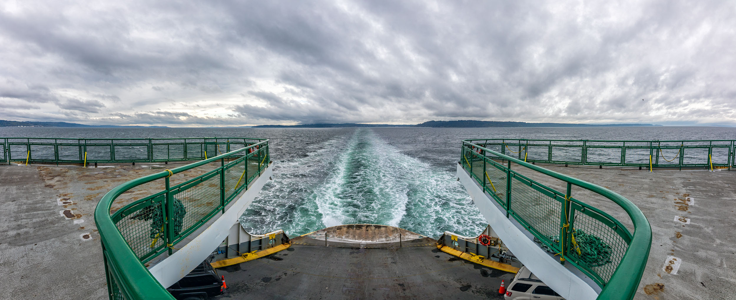 Ferry Wake 2500.jpg