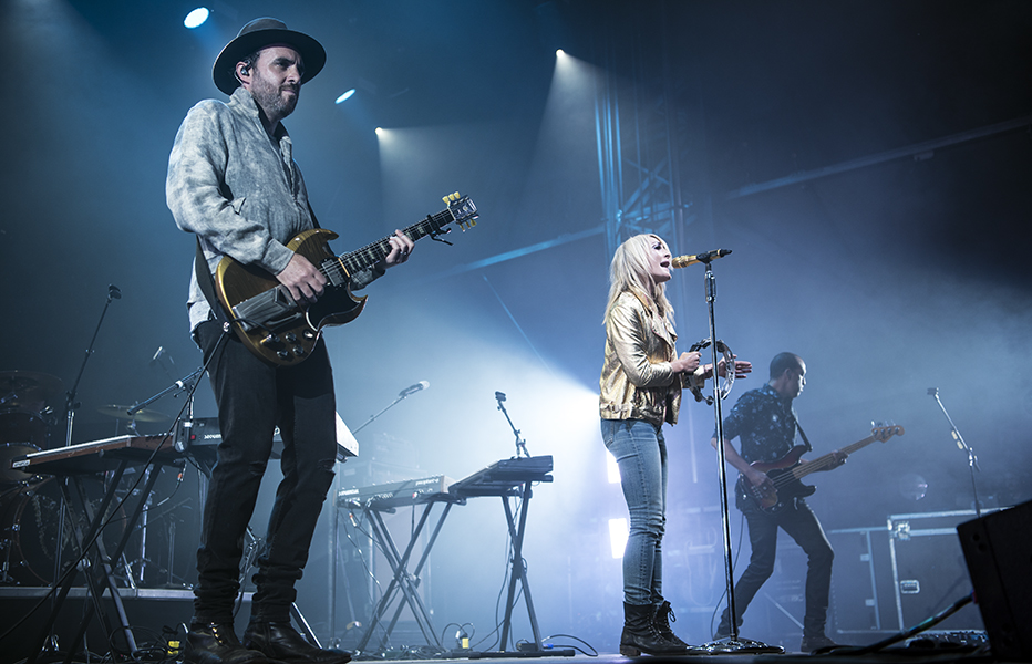 Metric performs at Field Trip on June 2.
