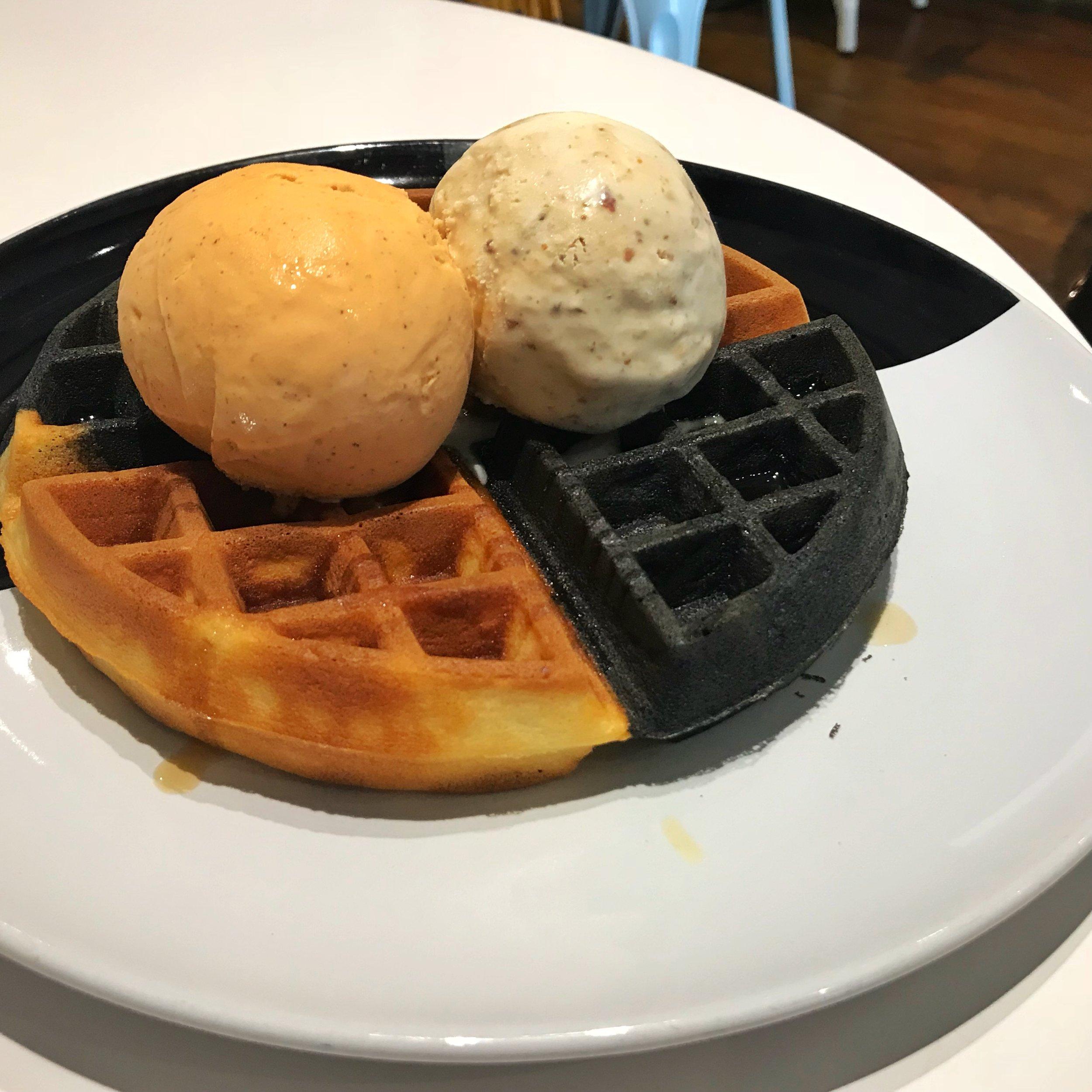 twenty grammes waffles ice cream