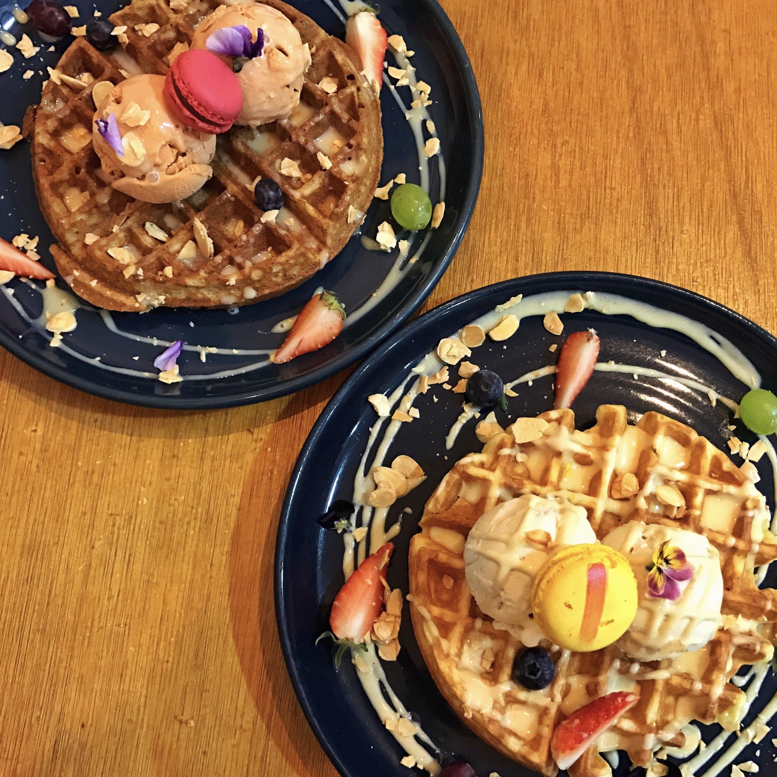 les patisseries waffles ice cream