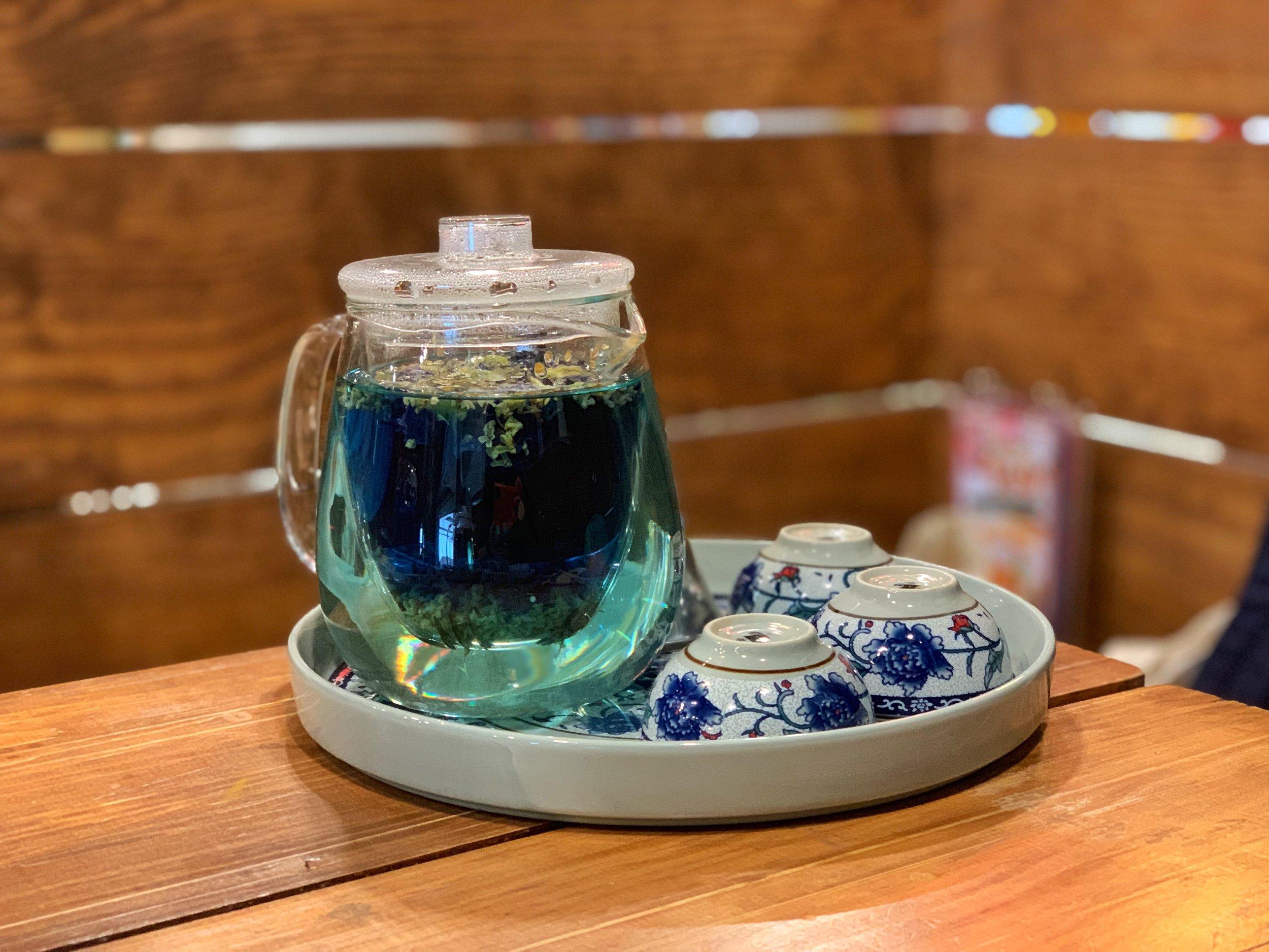 lhong tou cafe bangkok thailand tea