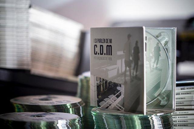 Acabant d'enllestir l'edició #digipack de C.D.M (Cançons des del mòbil, 2n CD). #CDM @canconsdesdelmobil cançonsdesdelmobil. Desprès de la bona acollida del verkami, aviat els mecenes gaudiran d'aquest espectacular CD. #CD #digipack #cdfactory #ripoll #quimerarecords2018 #music #musicislife Aviat tindrem dates de presentació...#salut i #música #labelrecord #ediciondigital #distribuciondigital
