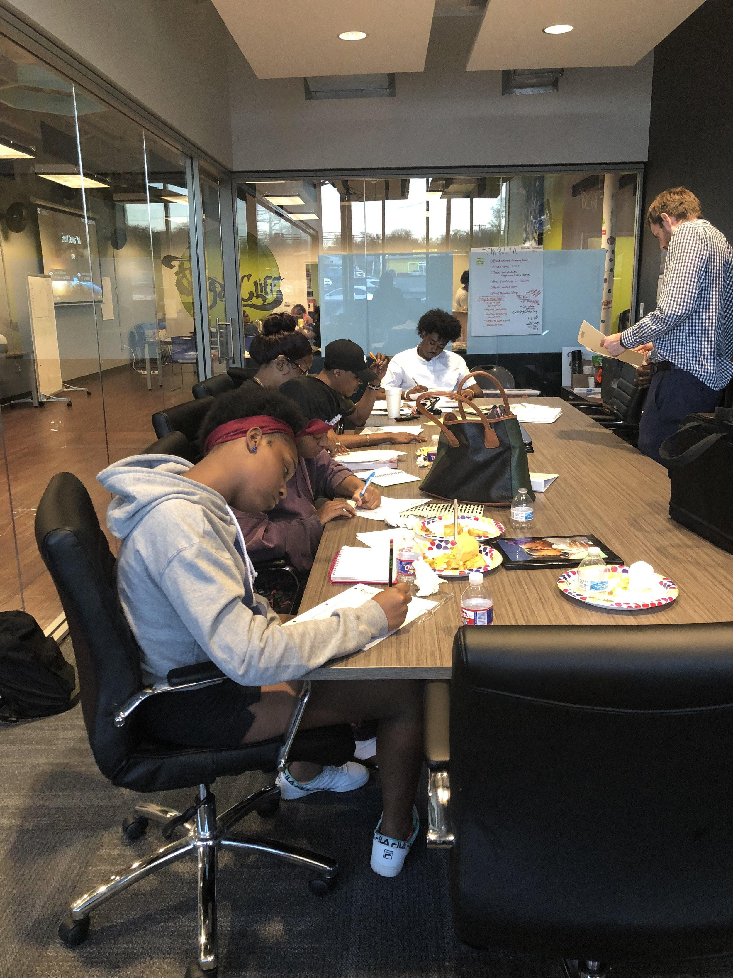 Date: Monday March 18, 2019  Location: Dallas, TX  Cleo discussed Money Management skills with  City Square's  group of student's currently enrolled in a 10 week GED Program.