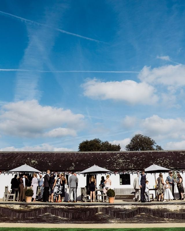 #BlueSkies at the beautiful @HendallManorBarns ⠀⠀⠀⠀⠀⠀⠀⠀⠀ ---⠀⠀⠀⠀⠀⠀⠀⠀⠀ #SussexWedding #AutumnWedding #Panorama #WeddingPlanning #LittleFluffyClouds #WeddingPhotographer #SussexWeddingPhotographer #SophiaTravisPhotography #WinterWedding #2020Wedding