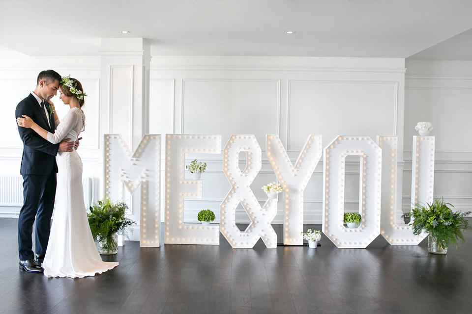 wpid384020-city-chic-london-river-rooms-wedding-5.jpg