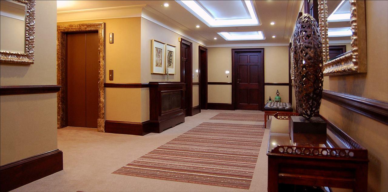 hallway 1a.jpg