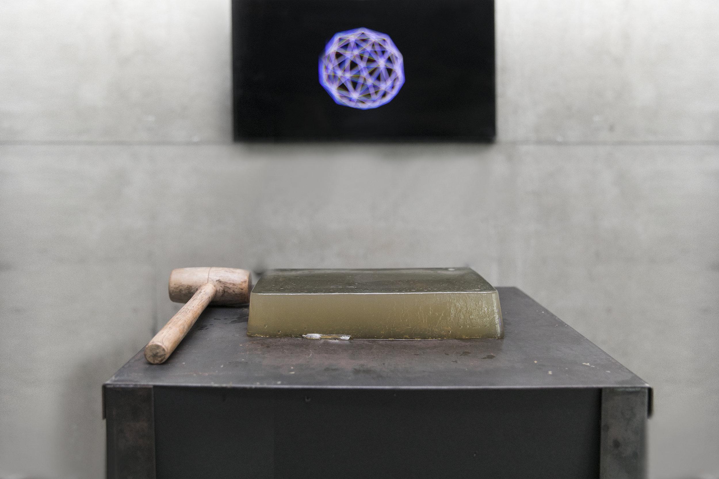 Hale Arslan, İnsan Neden Saldırganlık Gösterir, Enstalasyon, 2 Kanallı Video, 2018.jpg