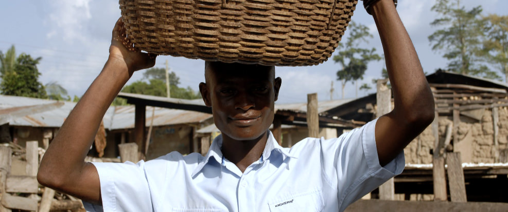 Social Capital of Farmers and Retailers in the Tropics -