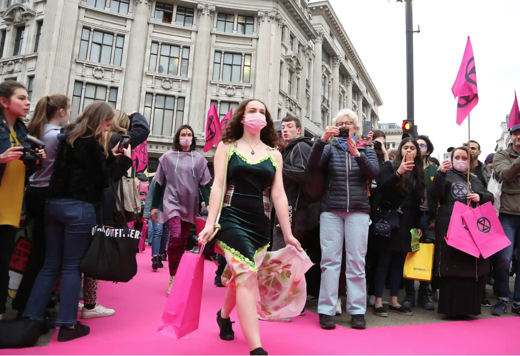APPG FOR TEXTILES & FASHION MEETING WITH EXTINCTION REBELLION - Bringing London Fashion Week designers, Extinction Rebellion and parliamentarians together to discuss their proposed plans to shutdown London Fashion Week.10/09/2019