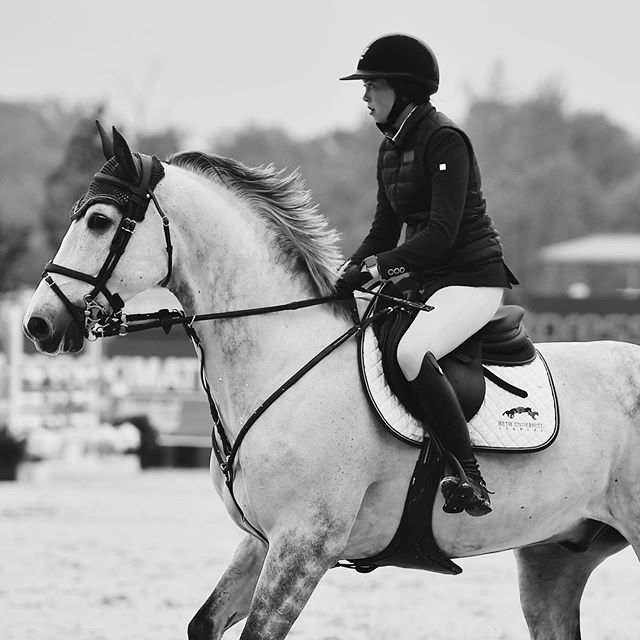 Black and white photos are the best photos 🖤🖤 #blackisthenewblack #koniaequestrian . . @catherineeoconnor riding in her Onyx Mika Vest looking flawless💁🏻‍♀️ 📸: @andrewrybackphotography