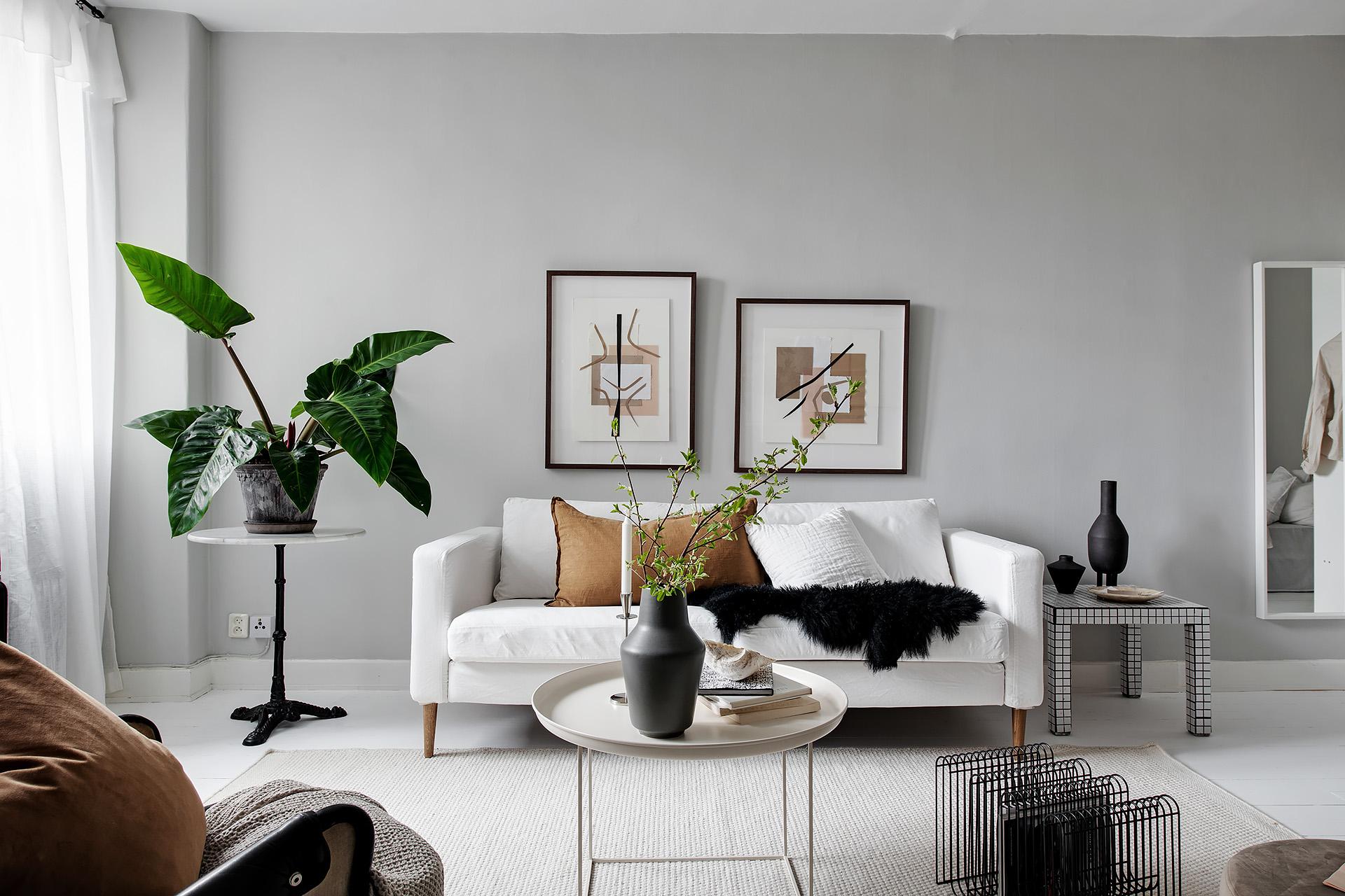 Modern studio styled in neutrals / via @kronekern