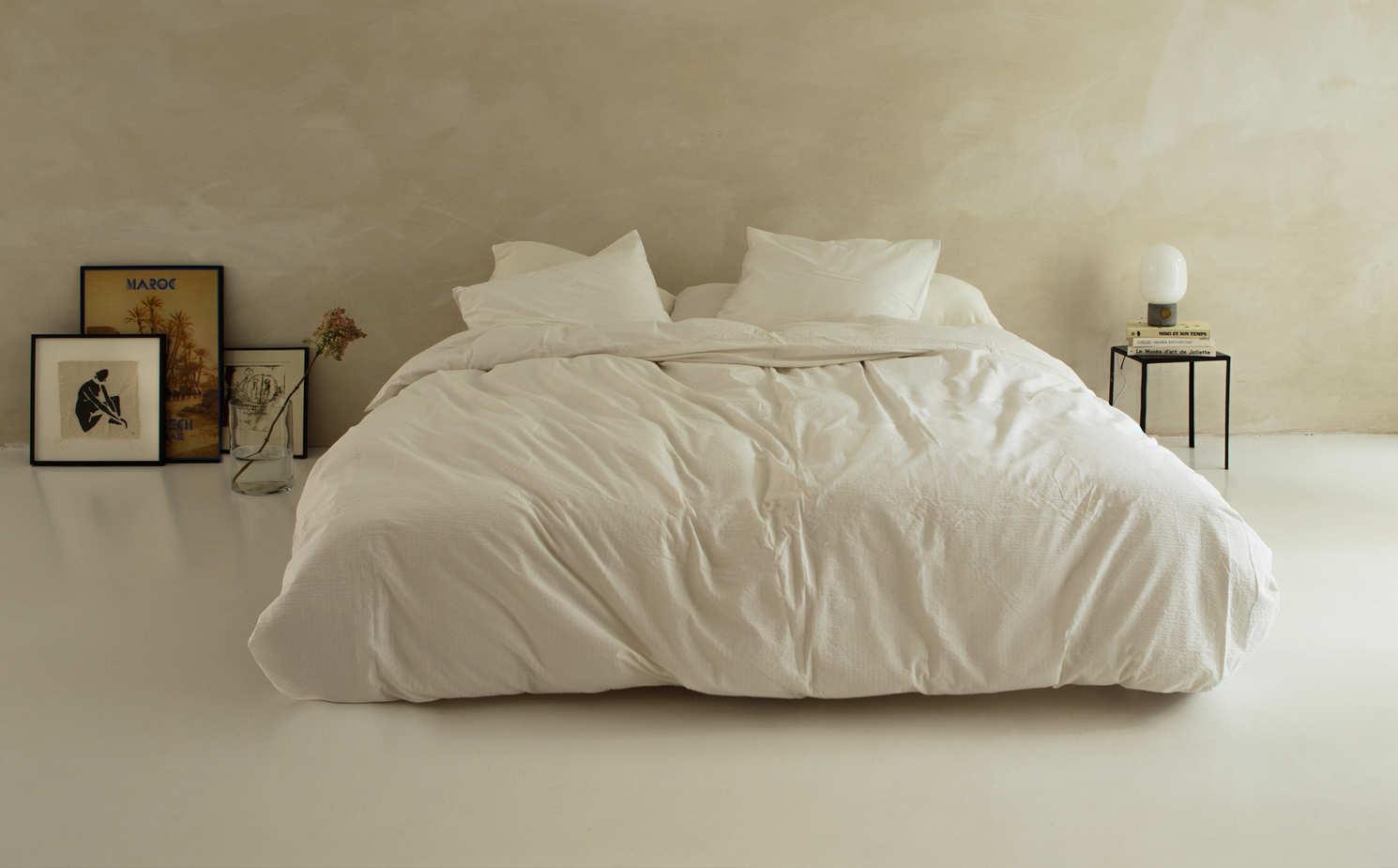 Sleep all night with the Crisp Sheet duvets / more details via @kronekern