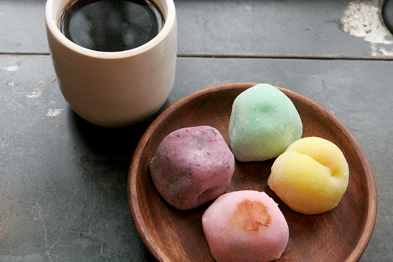 Assorted mochi paired with Finca El Apostol Costa Rica.