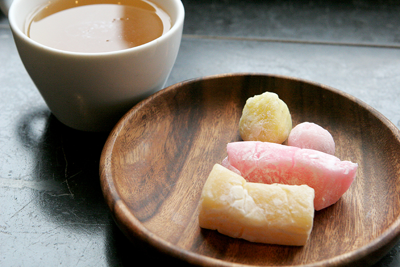 Baby mochi, liliko'i and chi chi (coconut) mochi paired with a Coconut Creme White Tea.