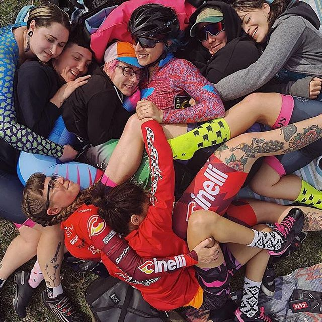 Sunday is Day 6 of #6daysofkissena, and all WTF registration fees are being generously covered by @iamicaniwillido. Christine D'Ercole has been a staple for @kissenavelodrome, WTF racing in NYC, and womxn's empowerment through cycling for YEARS. She isn't pictured in this cuddle pile but she's one of the reasons we are all here. THANK YOU 🙏. . . If you'd like to come out to try track racing on Sunday, but have questions, need a bike, or need any sort of support—we got you! DM us and we'll help get you on the velodrome!
