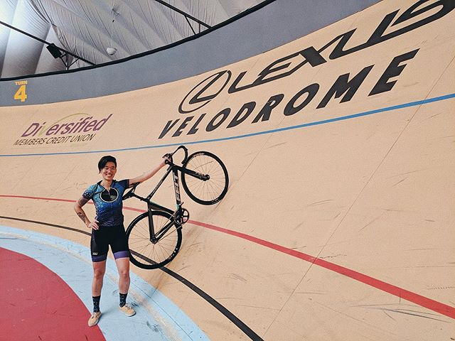 !!! Stef is in Detroit giving the @lexusvelodrome a spin! That's a spicy 50° bank ⚡️ #ffyeah #kissenaawayteam
