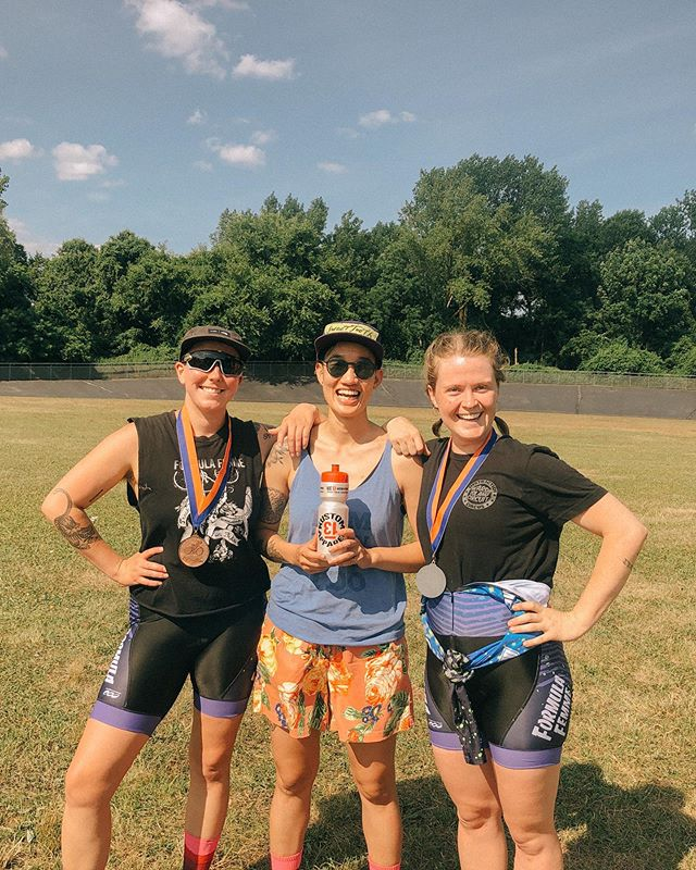 This Sunday, we raced in honor of Robyn Avril Hightman—a beloved Kissena family member who was struck and killed on their bike on June 24, 2019. There is little question that Robyn would have taken a podium yesterday, as they had every single race they attended this season (it was their first on the track). While the deep, painful cut left by their loss may never fully heal, it is a great comfort to be able to come home to @kissenavelodrome and find this resilient community, open and ready to share in celebration of a beautiful, young life, and Robyn's infectious, unbridled love for cycling. 🕊 #justiceforrobyn #ffyeah