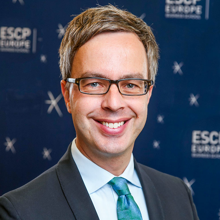 Prof-Dr-Robert-Wilken-Prorector-Faculty-&-Research-ESCP-Europe.jpg