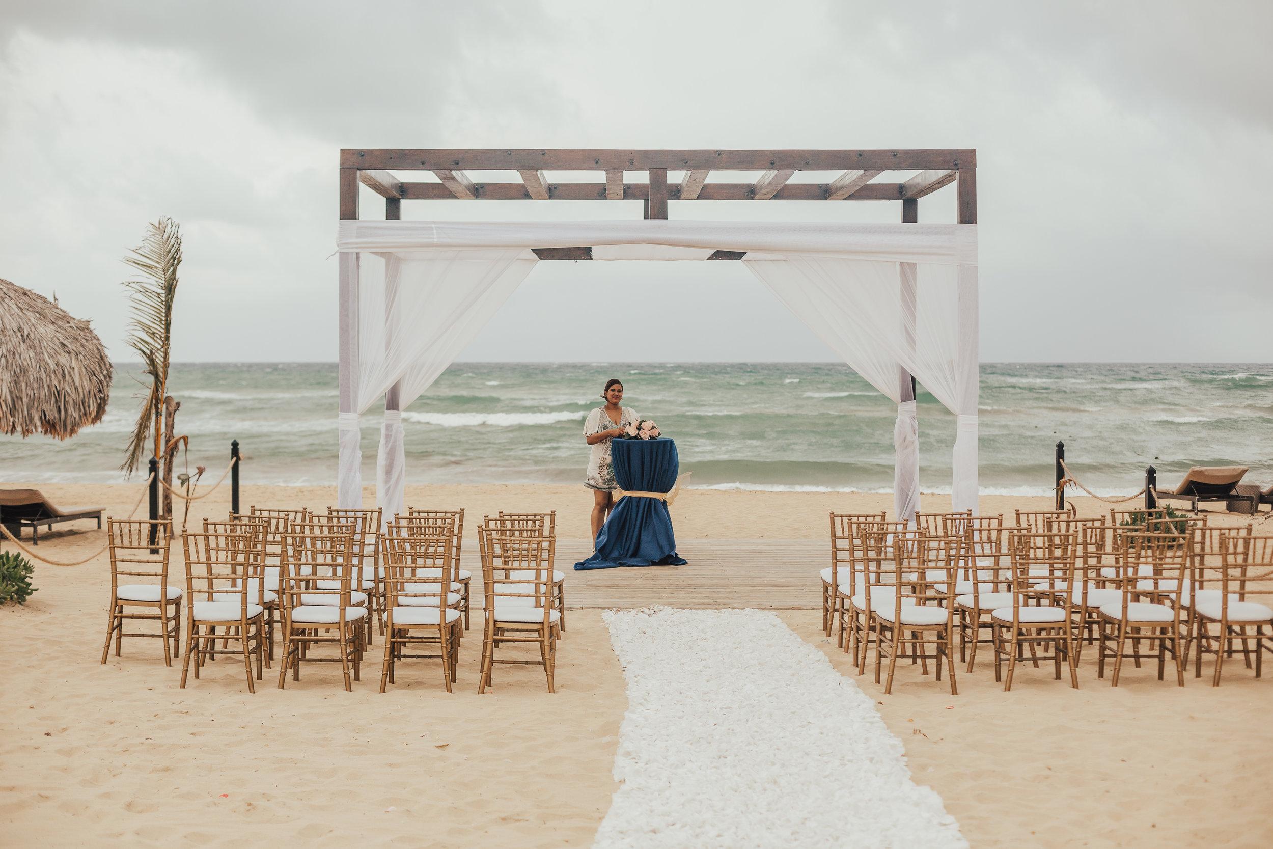 punta-cana-Wedding-Photographer-cleveland-wedding-photographer-elopement-photographer-chic-resort