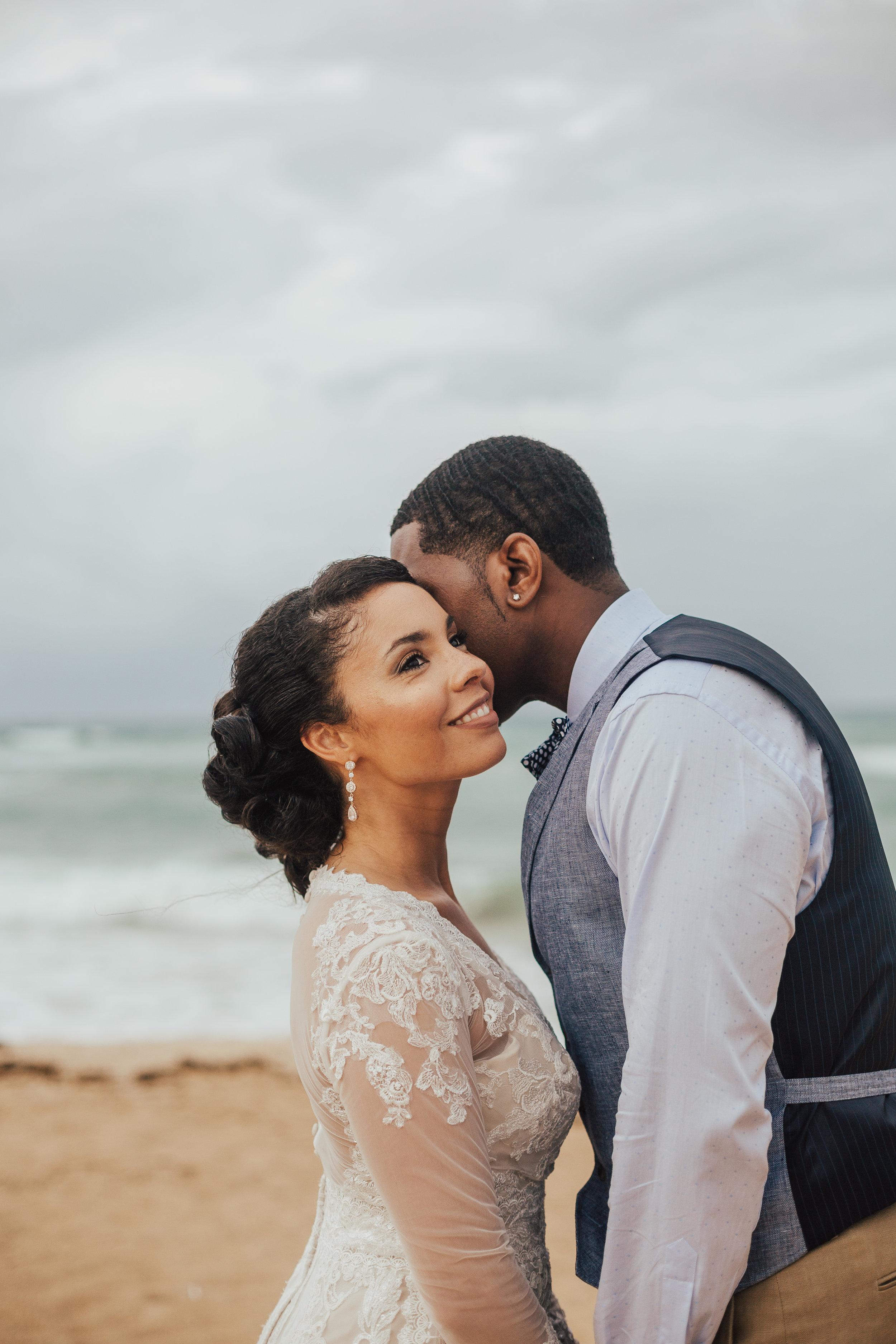 Destination-Wedding-Photographer-elope-cleveland-wedding-photographer-elopement-photographer-beach-tulum-wedding-mexico-elopement