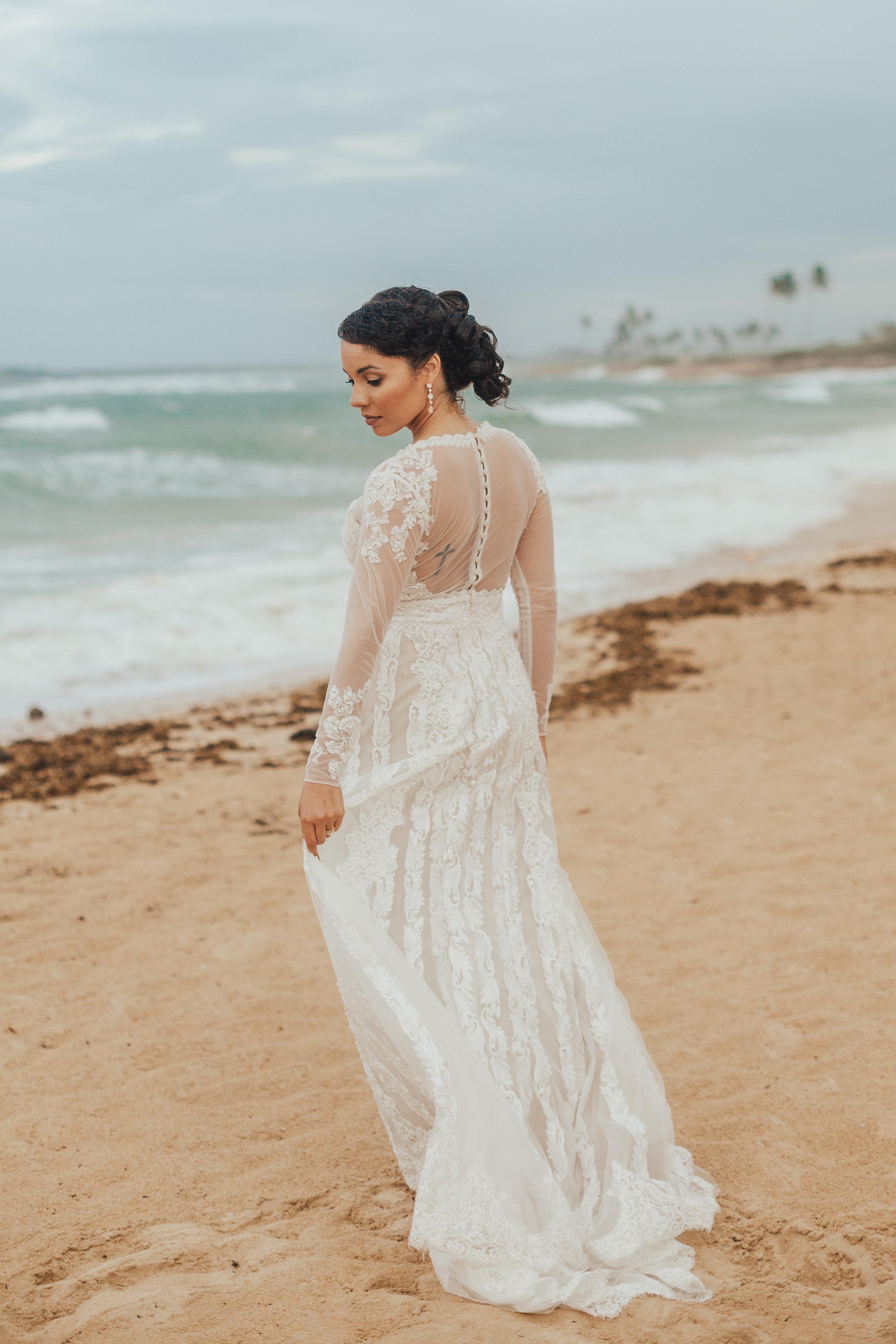 Destination-Wedding-Photographer-cleveland-wedding-photographer-elopement-photographer-beach-tulum-wedding-mexico