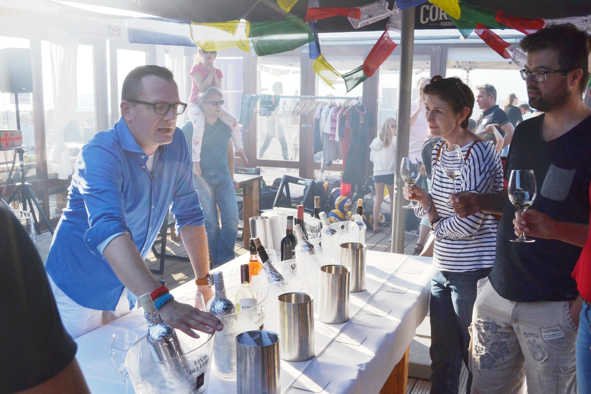 Wine tasting by sommelier Jan Willem of De Kwartel