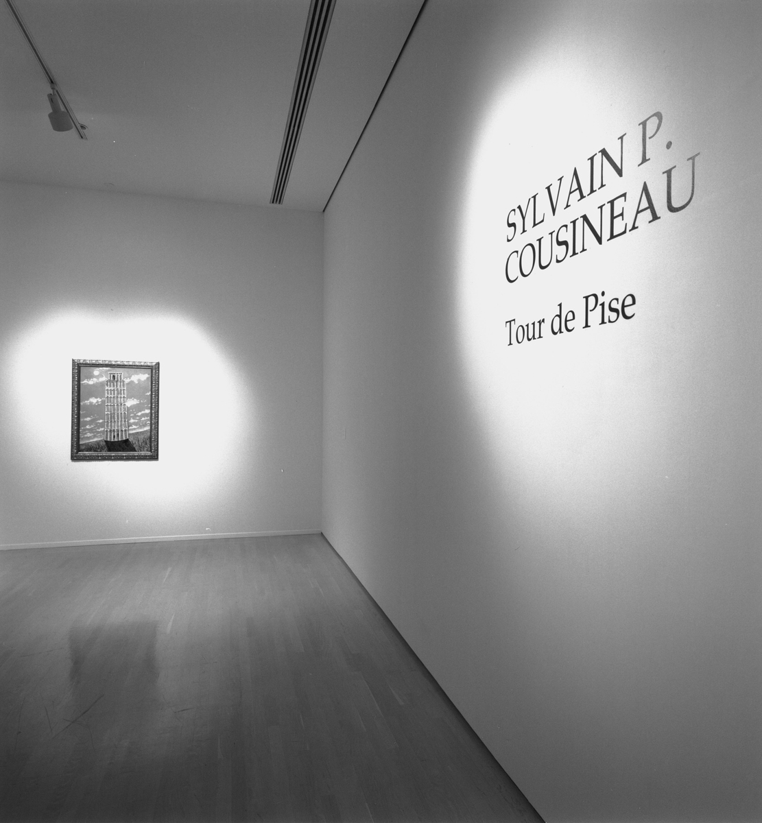 Vue partielle de l'exposition Tour de Pise,  14-06 au 06-08 1995, Musée d'art contemporain de Montréal  Photo : Richard-Max Tremblay