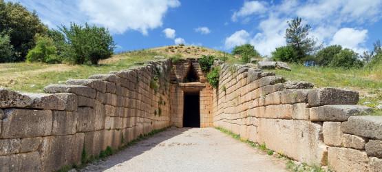 mycenae-monument-treasury-of-atreus-agamemnon-tomb-tholos-greek-bronze-age-greece-mainland-europe-dp45736183-1600_1.jpg