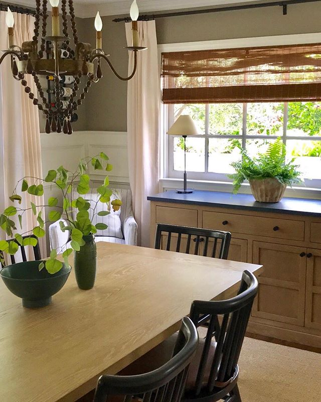 My latest installation in West Lake... a warm mix of traditional and organic materials.  Love all the green. #traditional dining room,#julia mora Design.