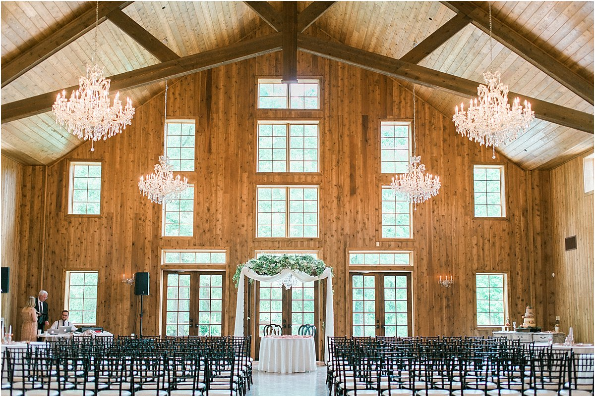 Houston_Wedding_Photographer_Wedding_Photography_CarriageHouse_ConroeWedding_BlushWedding_CountryChicWedding_TexasBride-35.jpg