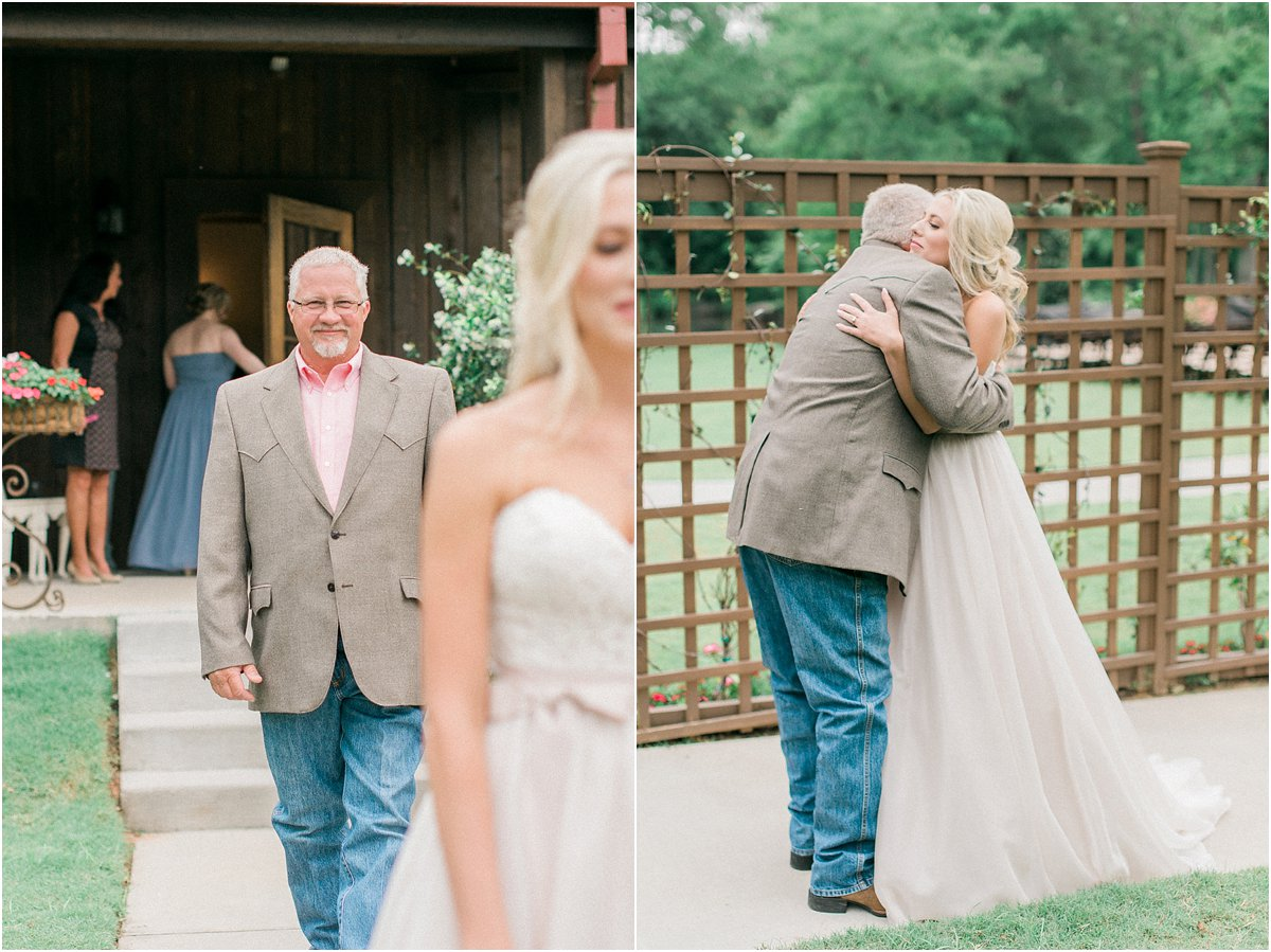 Houston_Wedding_Photographer_Wedding_Photography_CarriageHouse_ConroeWedding_BlushWedding_CountryChicWedding_TexasBride-46.jpg