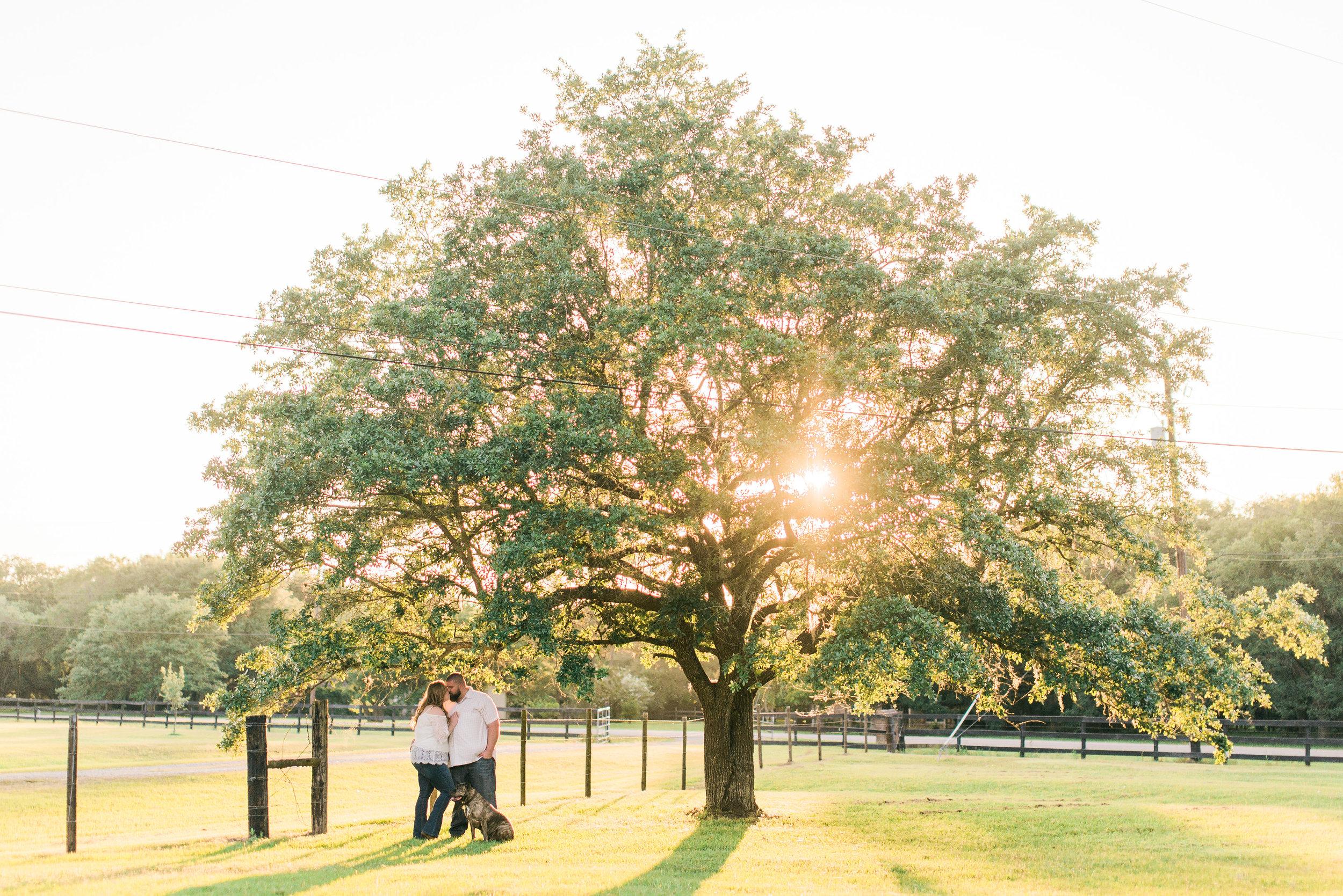 AlvinTexasPhotographer_ManvelTexasEngagementSession_HoustonWeddingPhotographer_EngagementPhotographerHouston (16).jpg